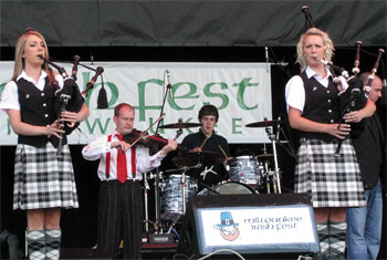 Kintra at Milwaukee Irish Fest - August 19, 2011
